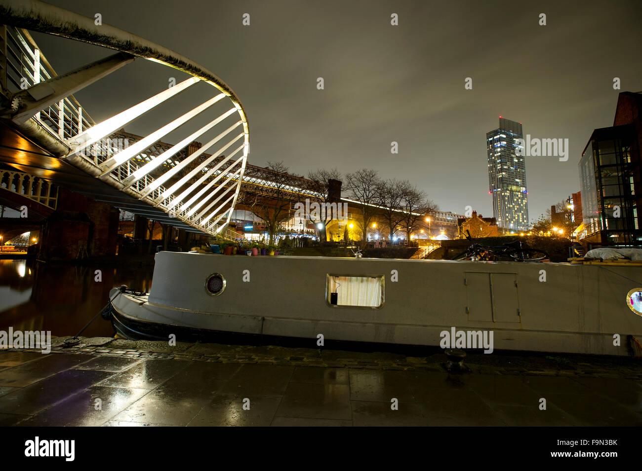 La nuit de l'image du bassin Castlefield Rochdale Canal, dans le centre-ville de Manchester. Photo par Paul Photo Stock