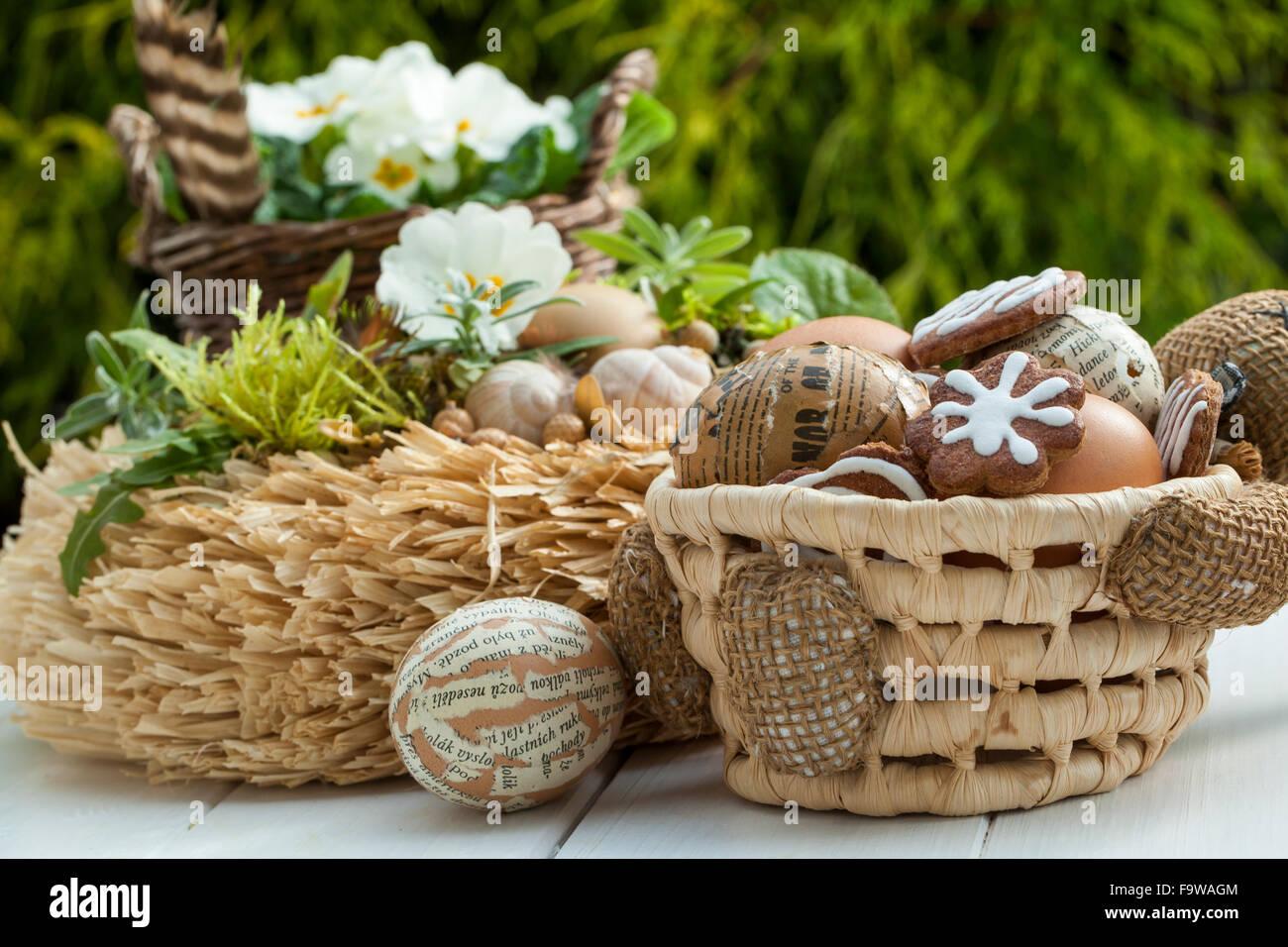 Peindre Un Panier En Osier matériel : panier en osier avec lapins, de journaux ou de