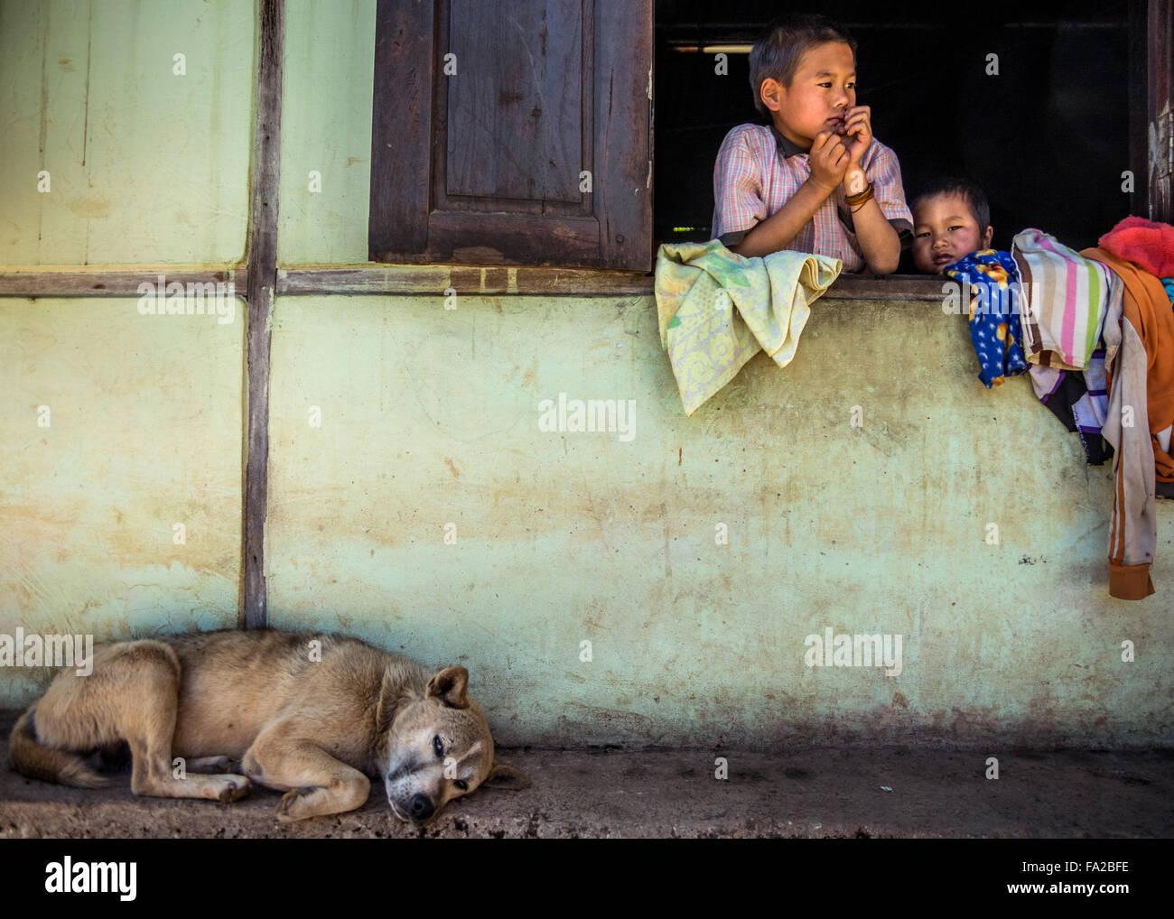 Les enfants du Myanmar. (L'État de Shan, Myanmar, Birmanie) Banque D'Images