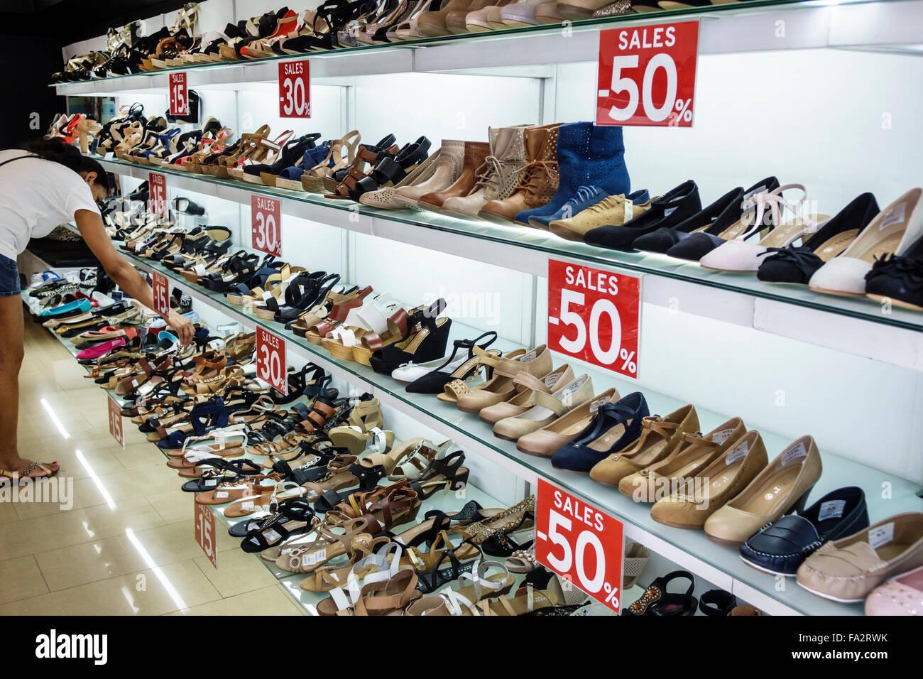 761d96cff8e5f Europe Espagne Madrid Moncloa-Aravaca hispaniques espagnol Calle de la Princesa  shopping chaussures pour femmes magasin vente afficher 50 %
