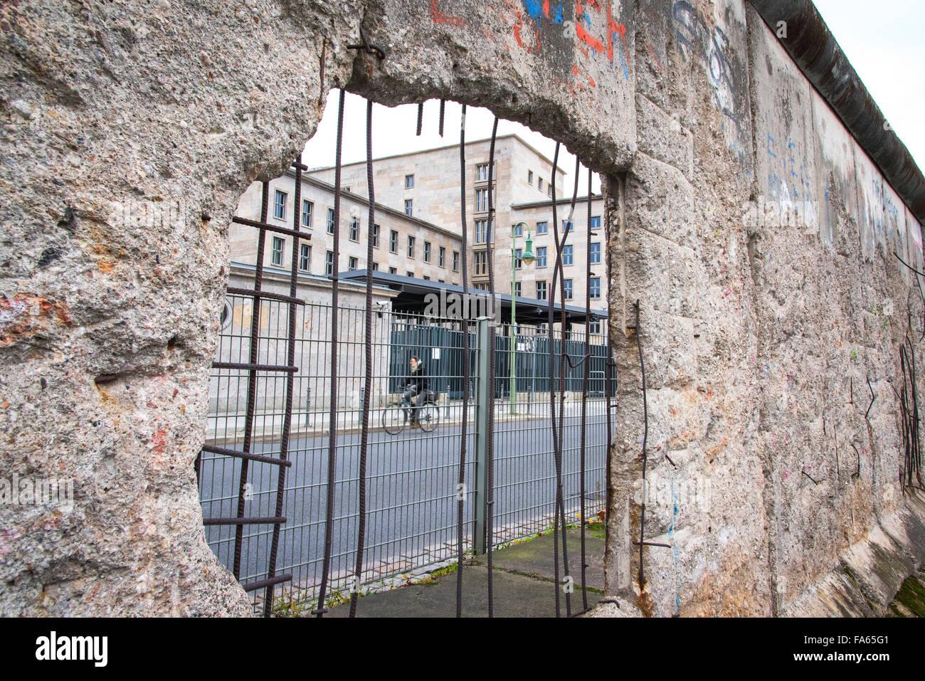 Reste du mur de Berlin au musée de la terreur de l'Allemagne Photo Stock