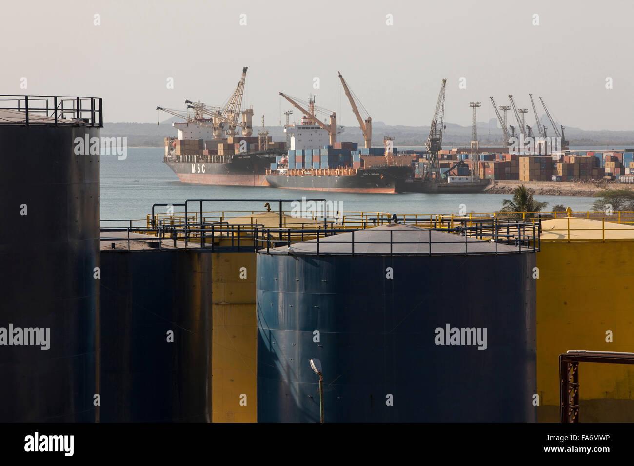 Quai des navires au port de Nacala, dans le nord-est du Mozambique. Photo Stock