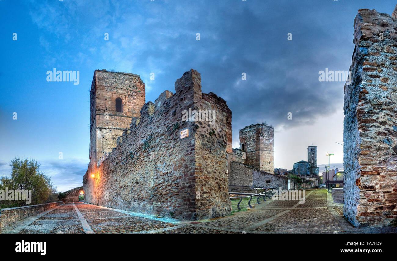 L'âge moyen dans le mur de Buitrago de Lozoya. Province de Madrid. Espagne Photo Stock