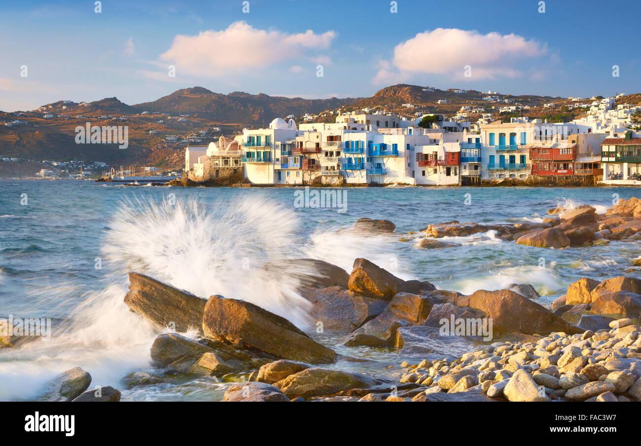 La vieille ville de Mykonos, la Petite Venise dans l'arrière-plan, l'île de Mykonos, Grèce Photo Stock