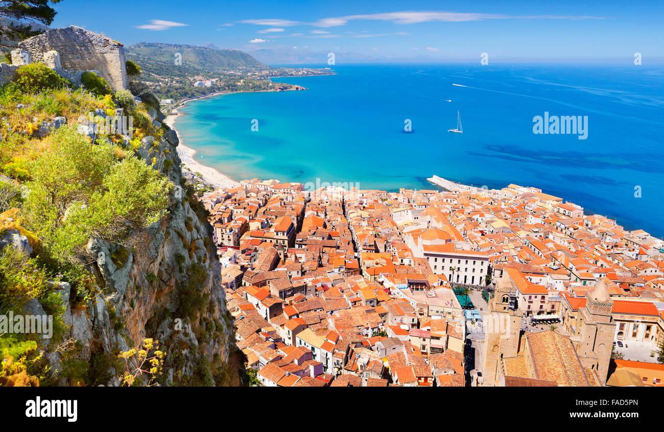 Vue aérienne de la Rocca de Cefalu hill, Sicile, Italie Photo Stock