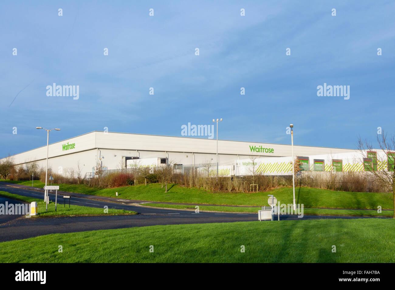 Entrepôt de distribution Waitrose au siège avec des camions de livraison. Zone Industrielle Sud Bracknell Photo Stock