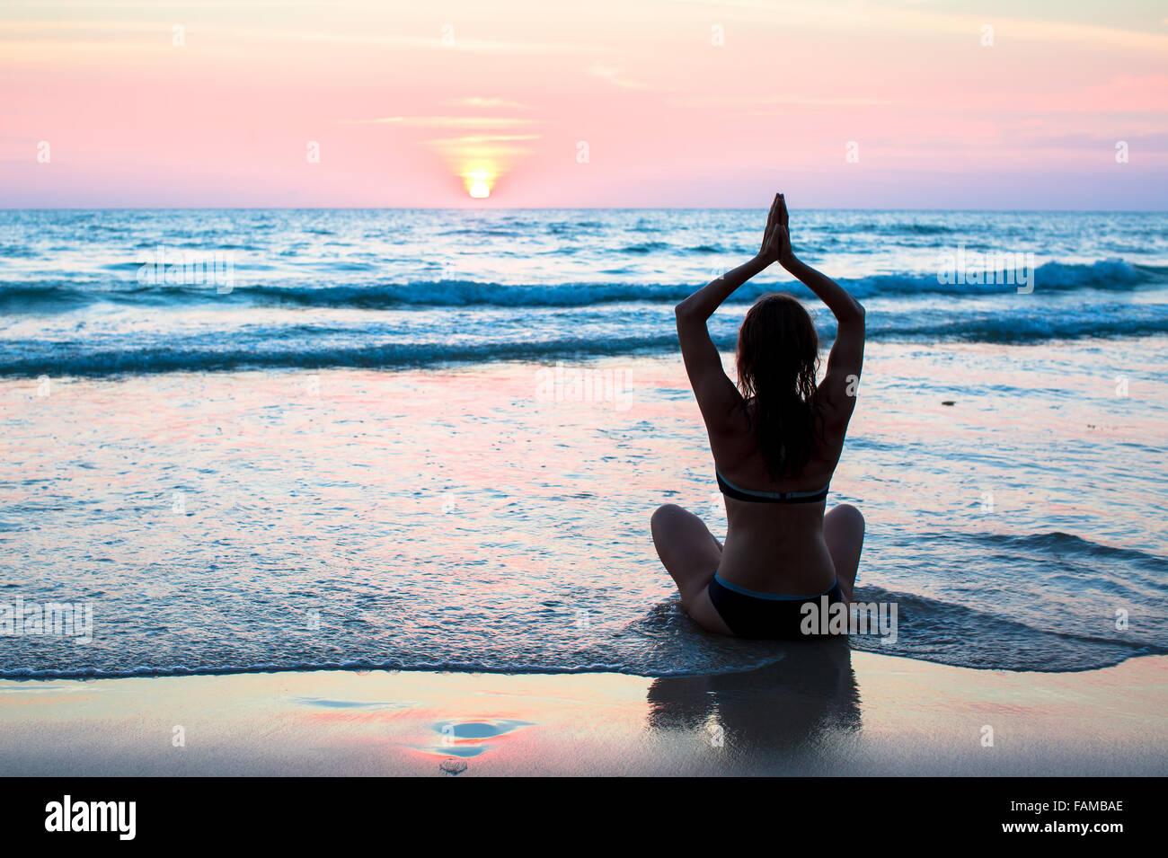 Le yoga et le fitness, mode de vie. Photo Stock