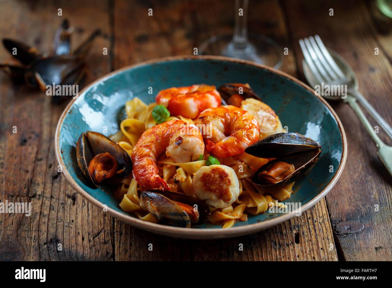 Linguine aux fruits de mer Photo Stock