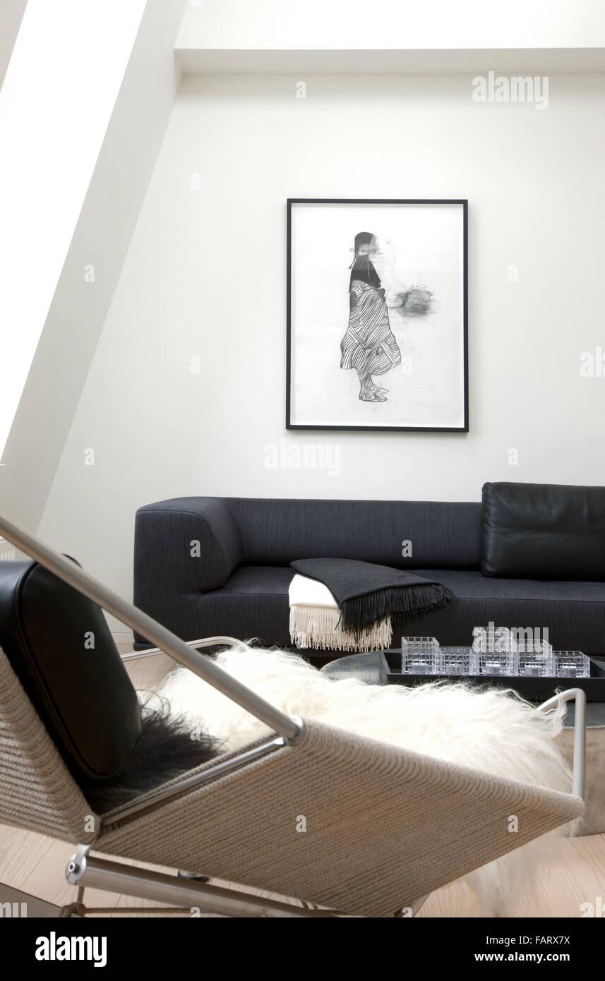 Pas de bêtises à Copenhague appartement moderne, murs blancs et un sol en bois d'art et d''un Photo Stock