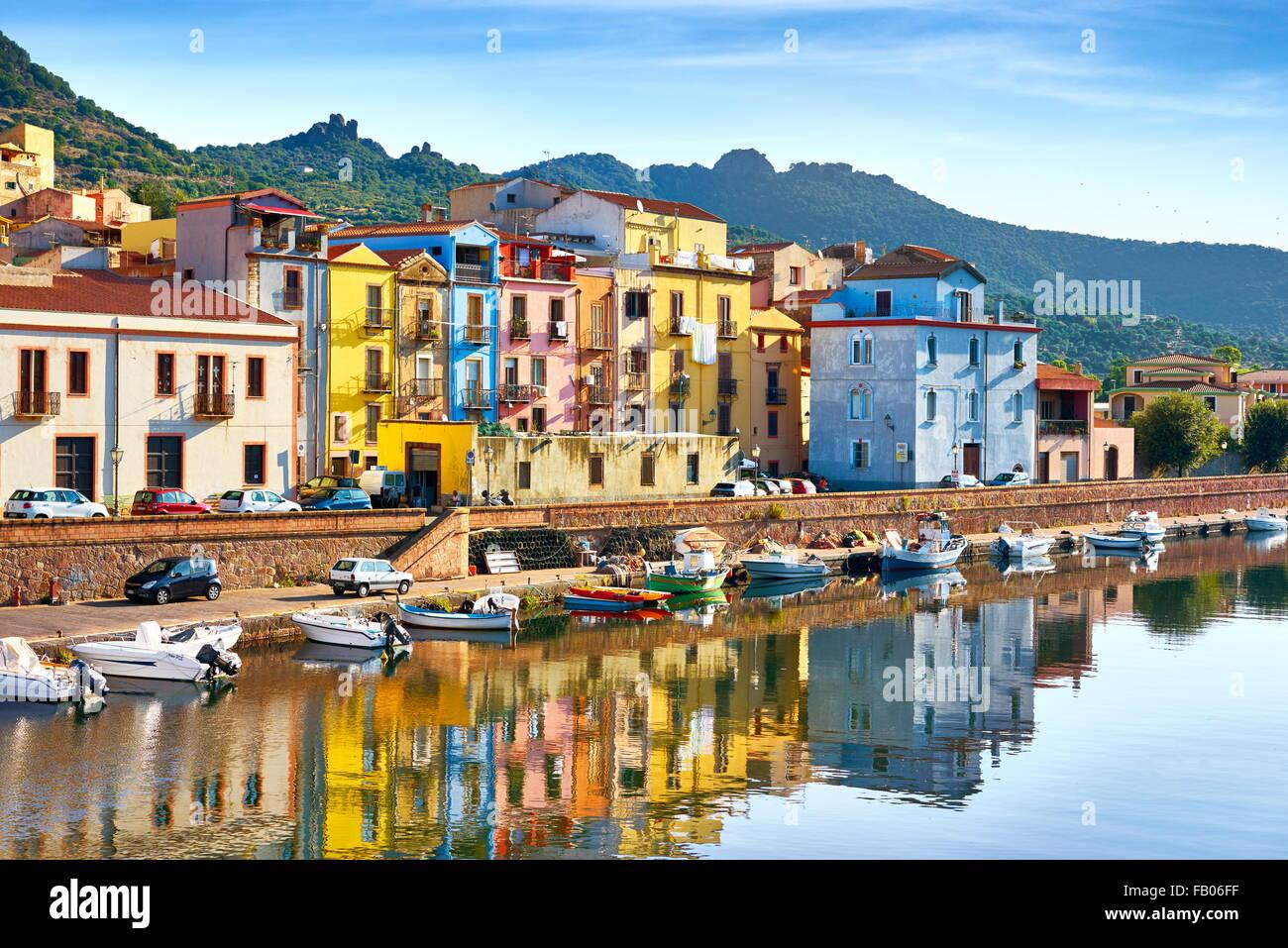 La vieille ville de Bosa, Riviera del Corallo, Sardaigne (île), Italie Sardaigne Photo Stock