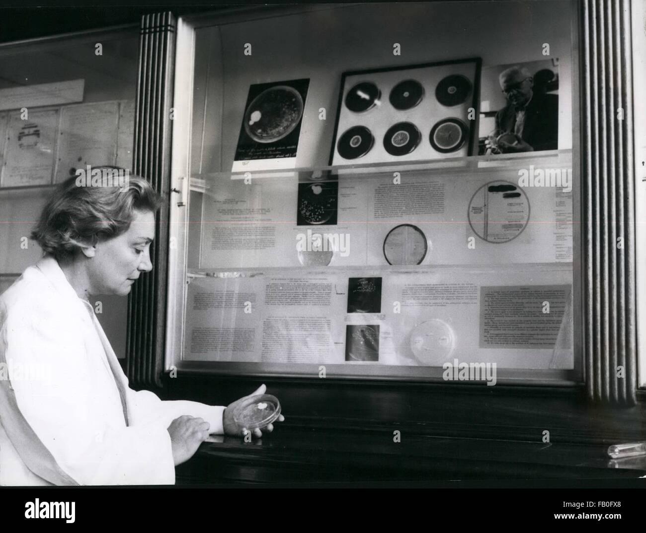 1980 - Dame Fleming exerce - Lady Fleming est arreaving Exaiting et de son défunt mari le travail à vie Photo Stock