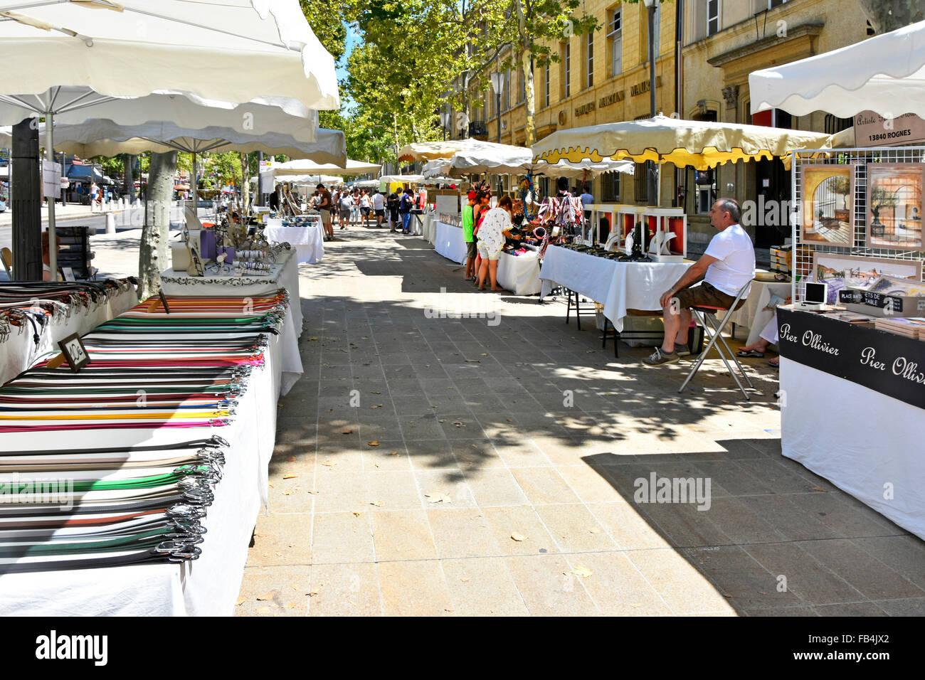 sensation de confort profiter de prix discount pas cher Aix en Provence France dimanche tous les étals du marché de ...