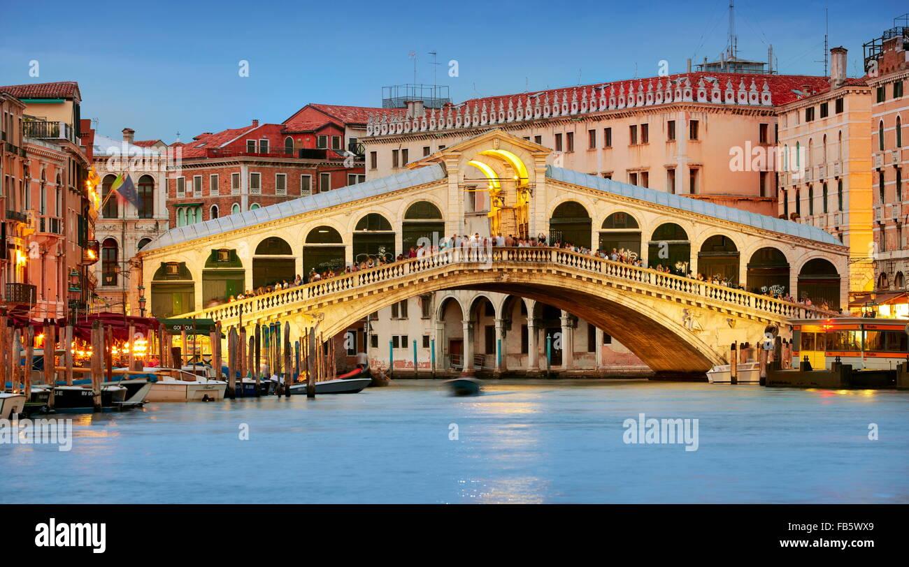 Pont du Rialto au soir, Grande, cityscape Venise, Italie, l'UNESCO Photo Stock