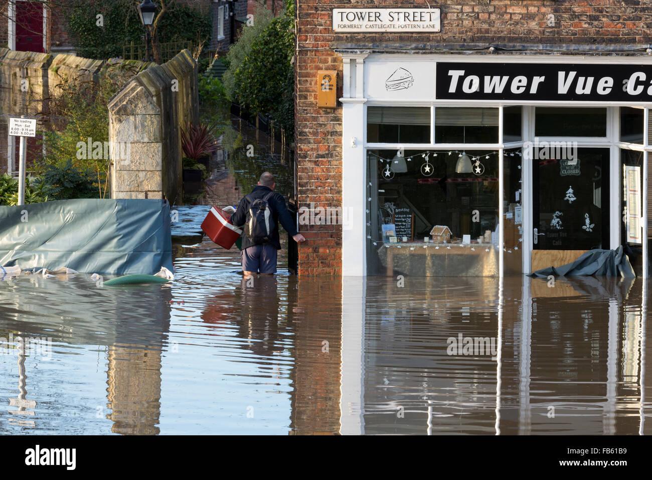 Les eaux de crue dans le centre-ville de York après de fortes pluies, le 27 décembre 2015. Banque D'Images
