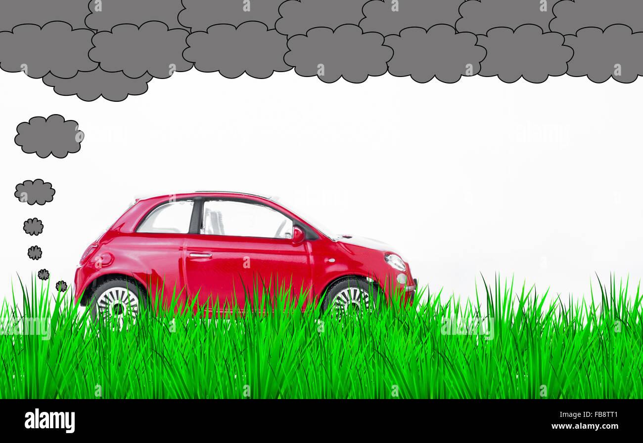 Une voiture pollue l'air et l'environnement Photo Stock
