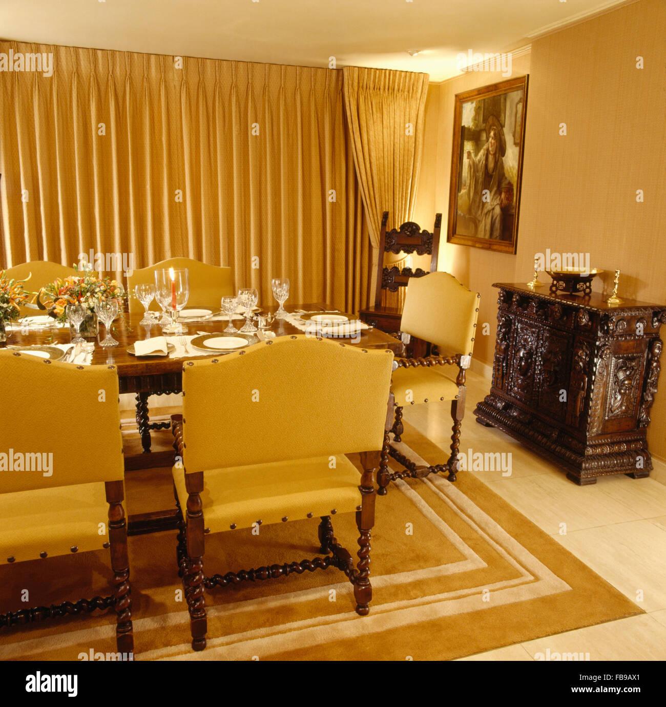 Meubles Chaises Jaune Au Tableau 80 Pour Le Diner Dans Une Salle A