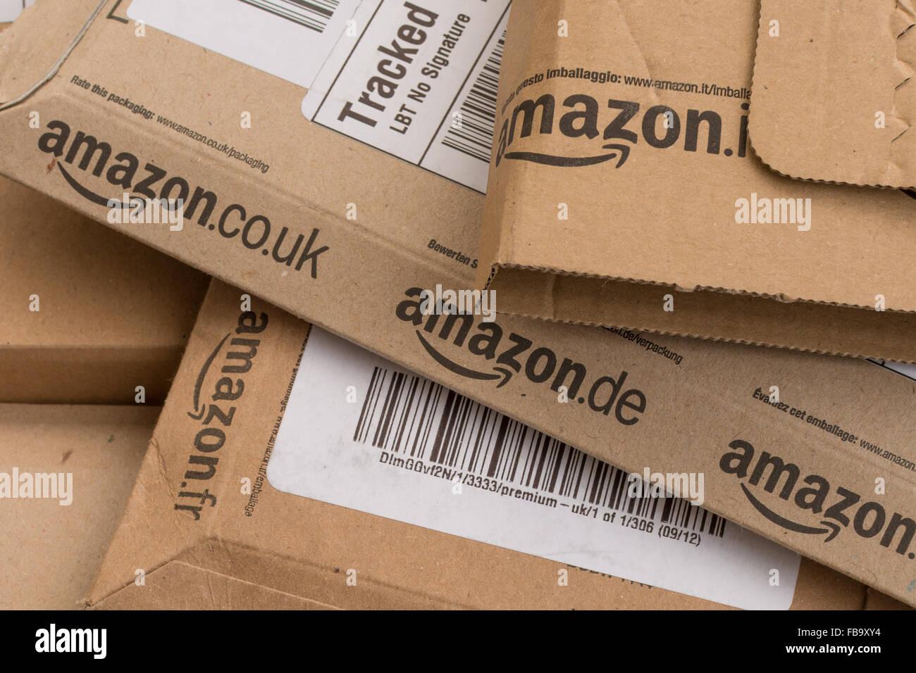 Amazon colis boîtes Photo Stock