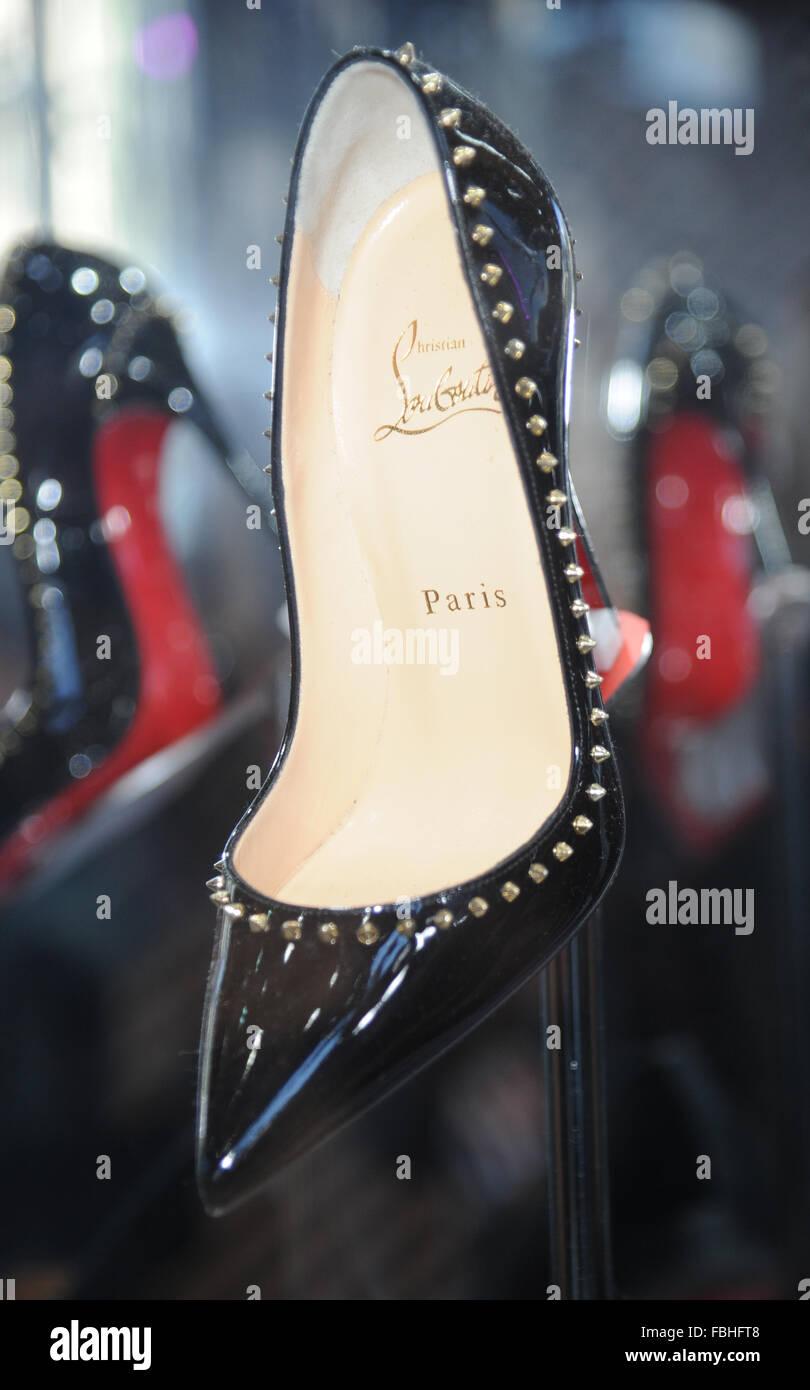 acheter populaire fb9b6 49c68 Créateur de chaussures Christian Louboutin lance une ...