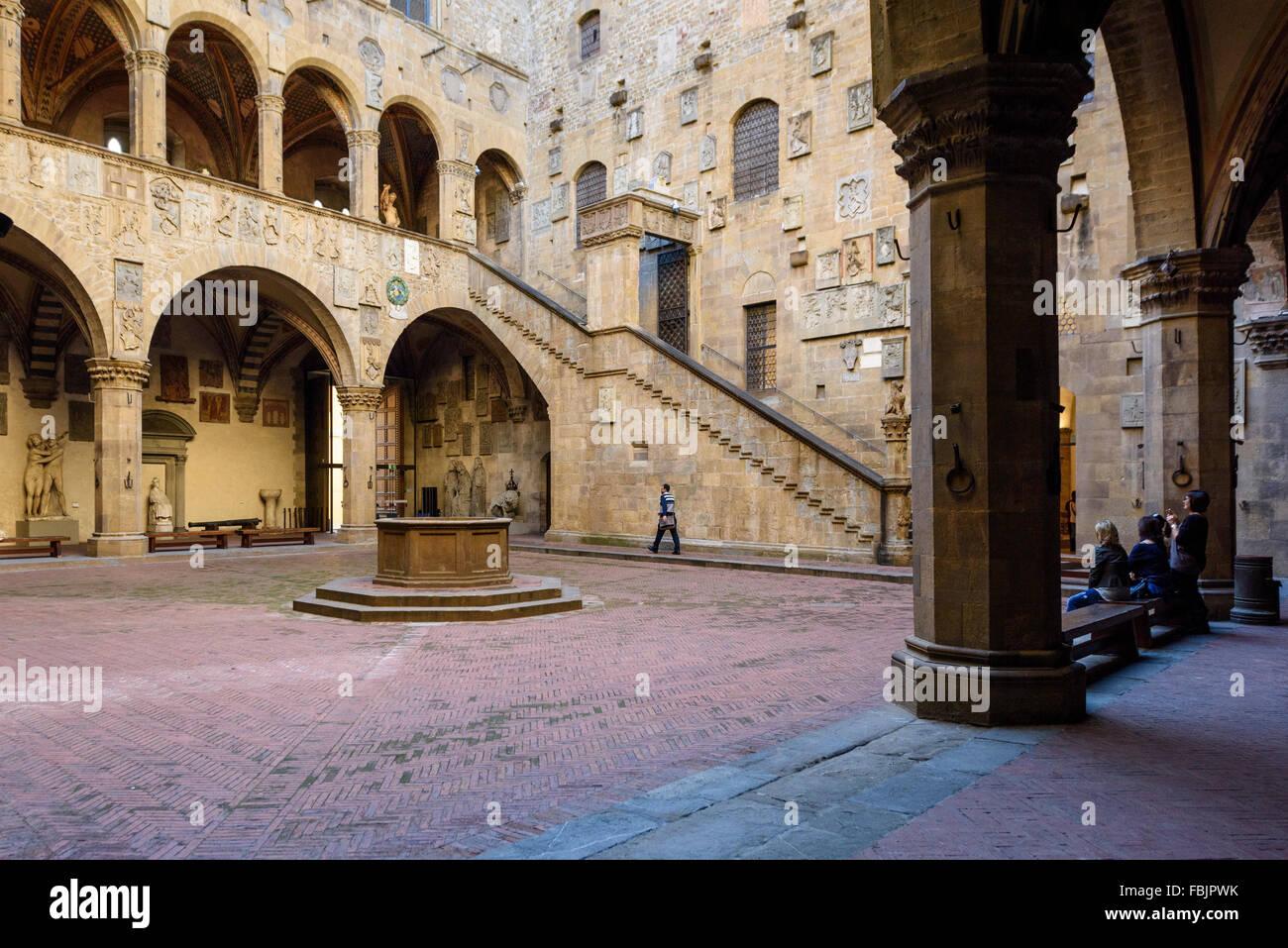 Florence. L'Italie. Cour intérieure du Museo Nazionale del Bargello. Photo Stock