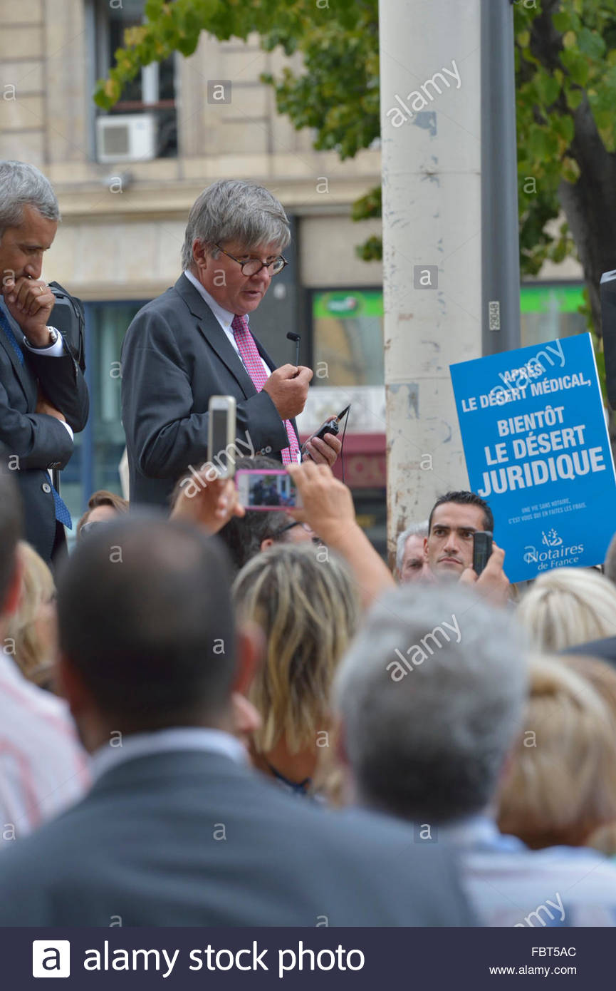 manifestation des notaires devant la prfecture de marseille le 17 septembre 2014 moi gerard prevot