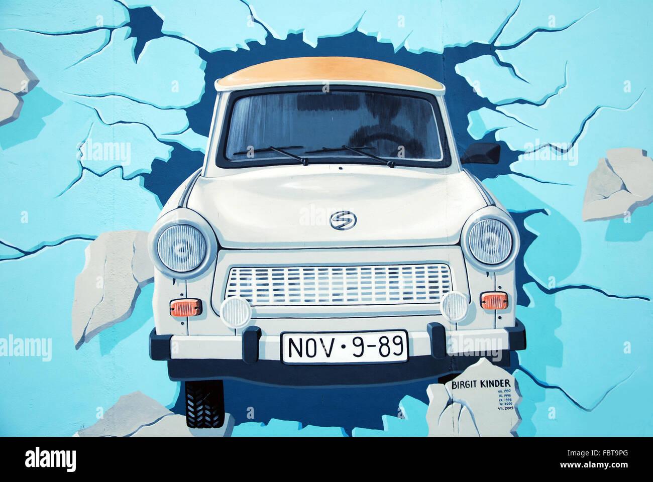 Berlin east side gallery trabant Photo Stock