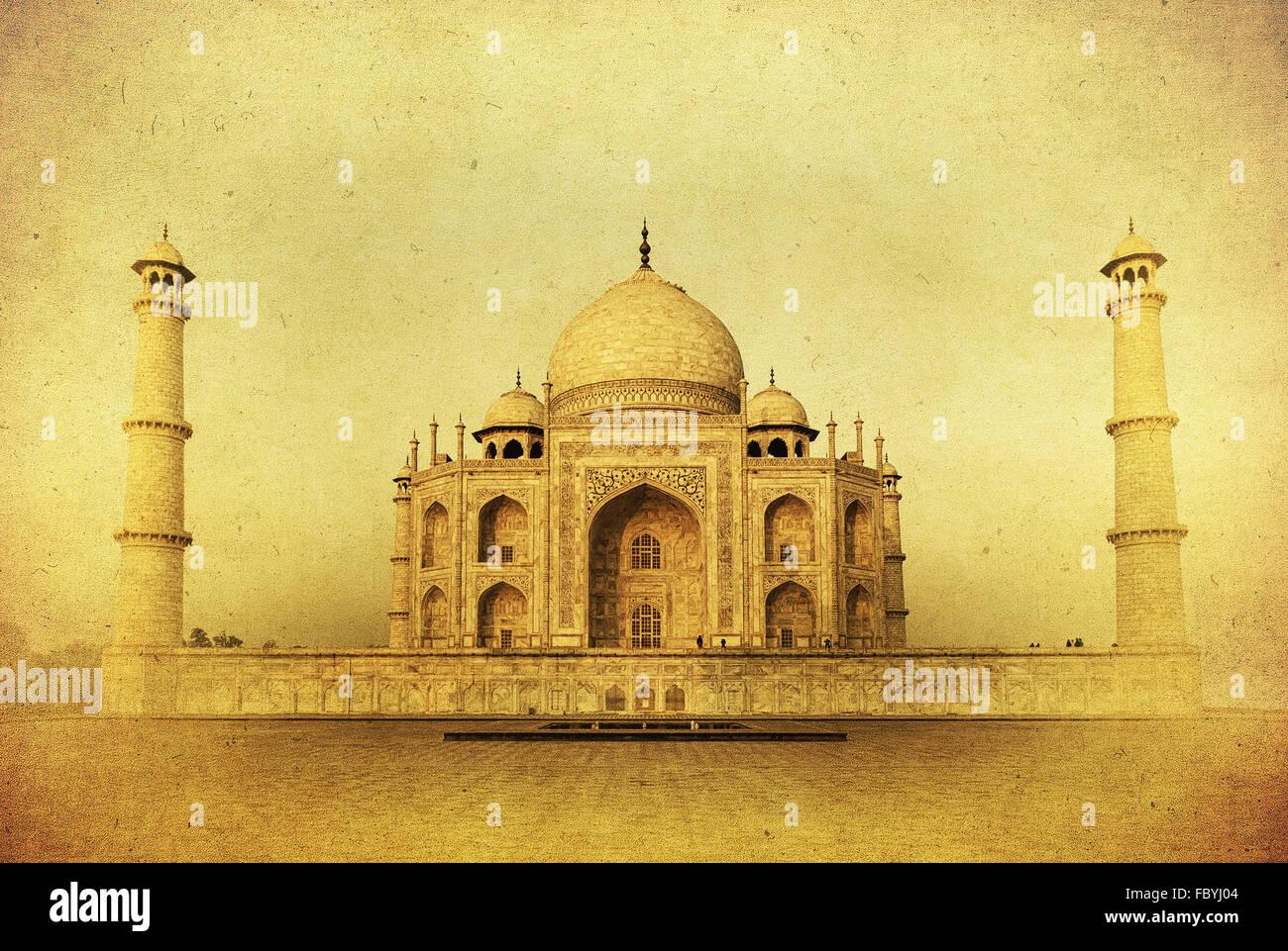 Image Vintage du Taj Mahal au lever du soleil, Agra, Inde Photo Stock