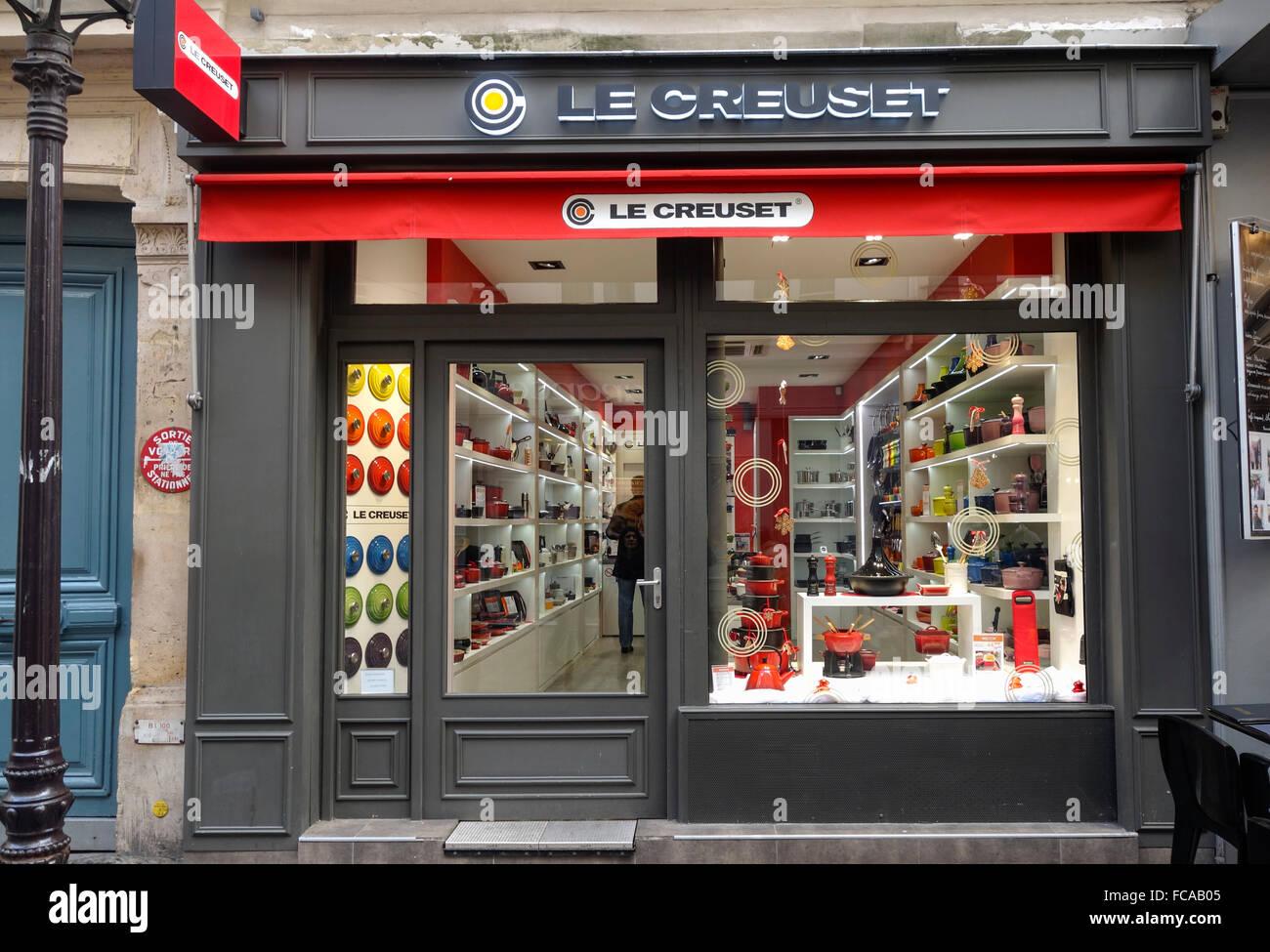 Le Creuset, fenêtre, façade, magasin de cuisine Française, Paris, France. Photo Stock