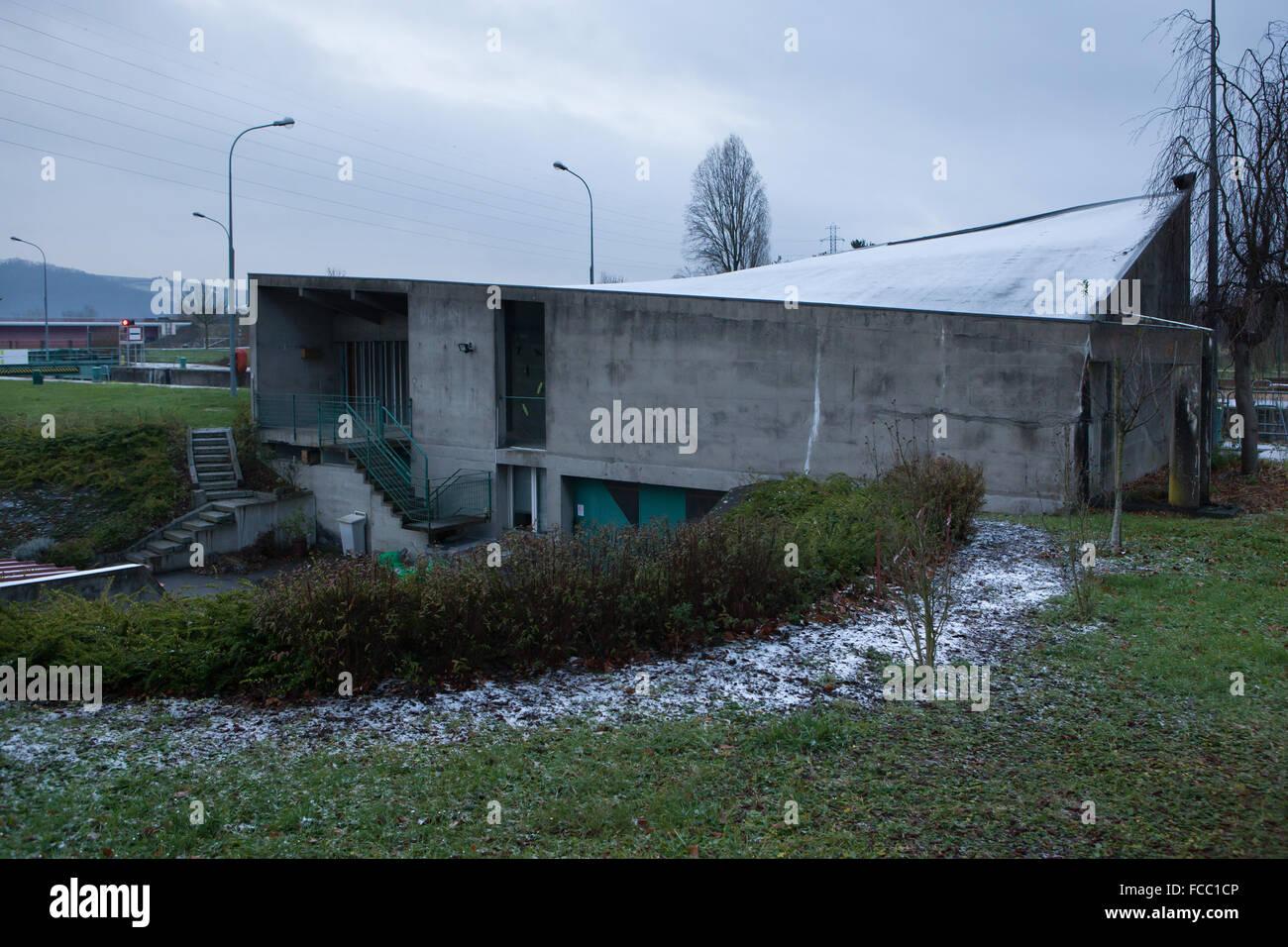 Zollgebaude bureau de douane conçu par l architecte suisse le