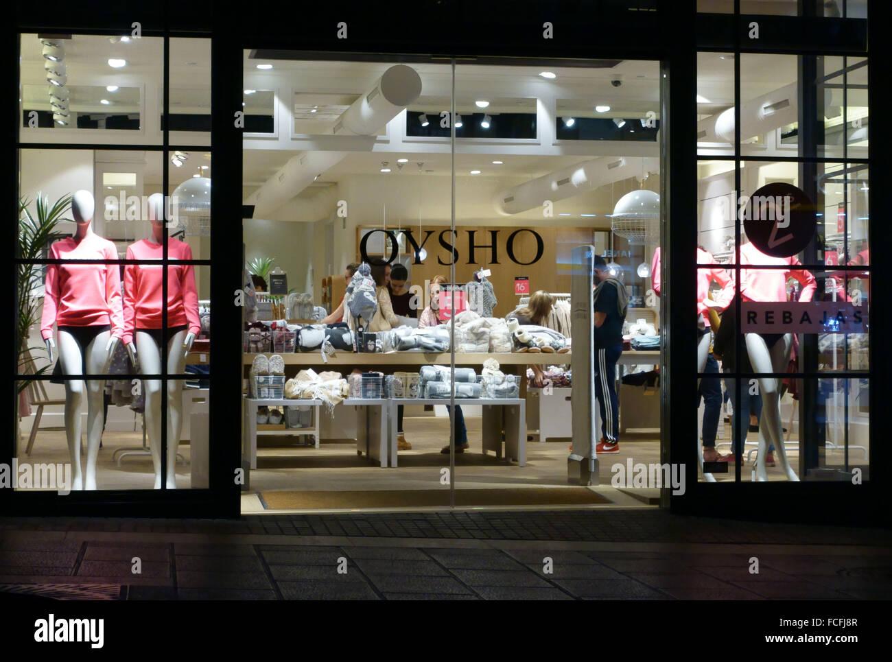 48a189134813a De la Direction générale de la chaîne de la mode pour femmes à Oysho Santa  Cruz