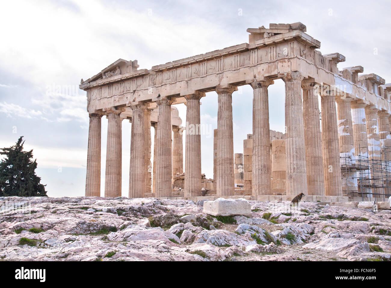 Le Parthénon est un ancien temple sur l'acropole d'Athènes, Grèce. Photo Stock