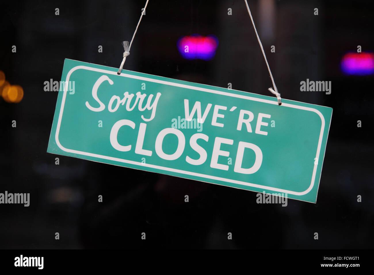 Signe clos. (Désolé nous sommes fermés) Photo Stock