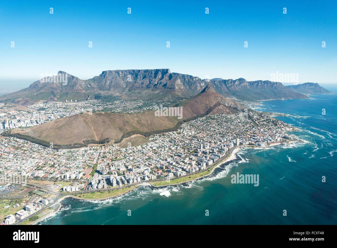 Vue aérienne de la ville et des plages, Cape Town, Western Cape Province, République d'Afrique du Sud Banque D'Images