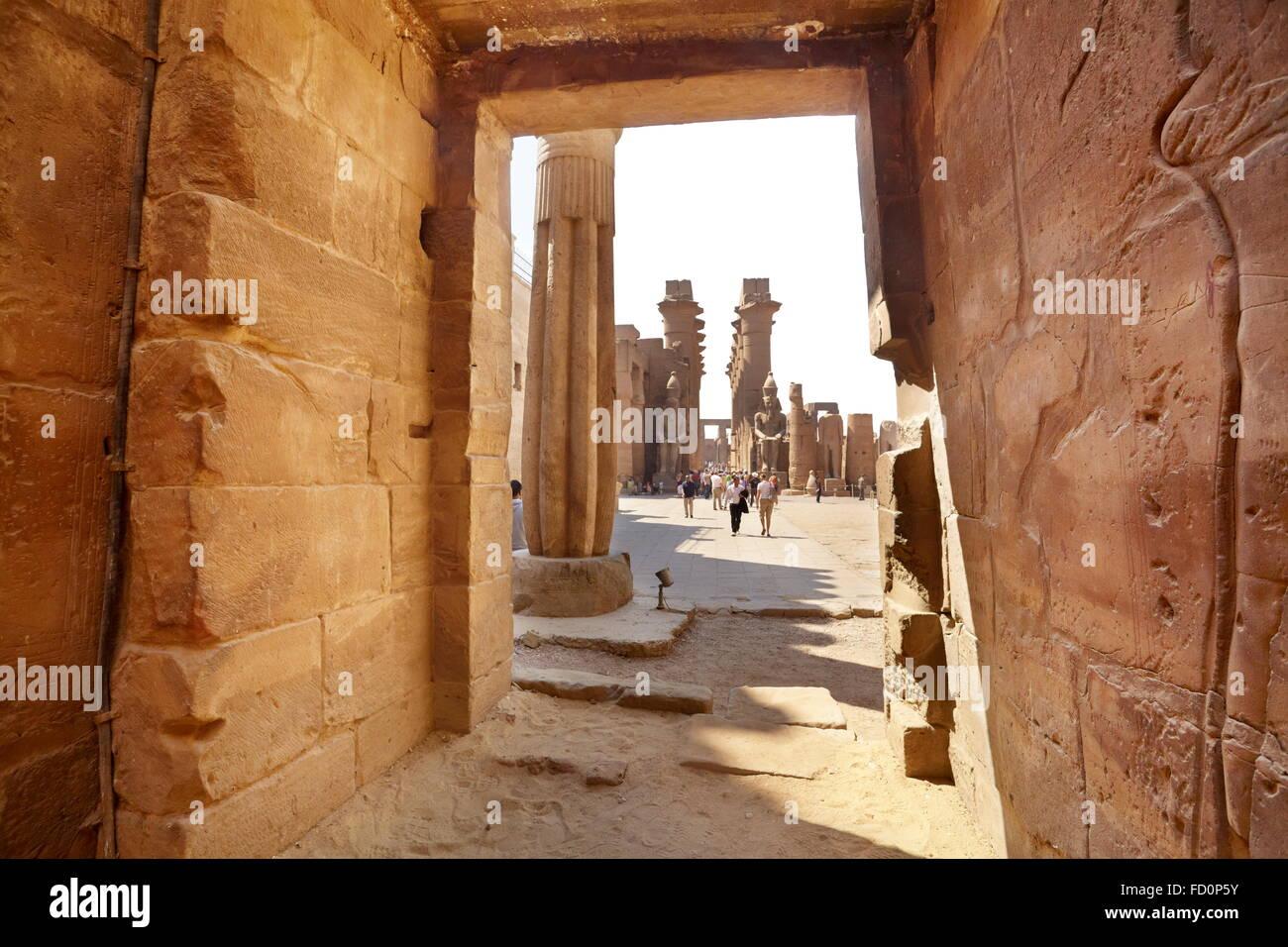 L'intérieur du temple de Louxor, Louxor, Egypte Photo Stock