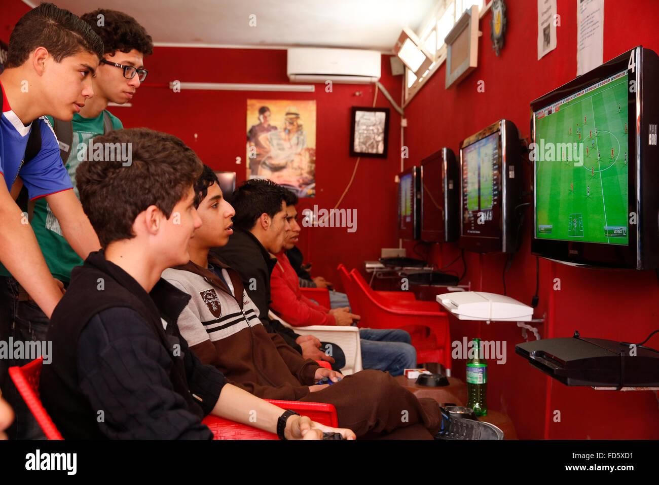 Salon de jeu vidéo à La Marsa, Tunisie. Photo Stock