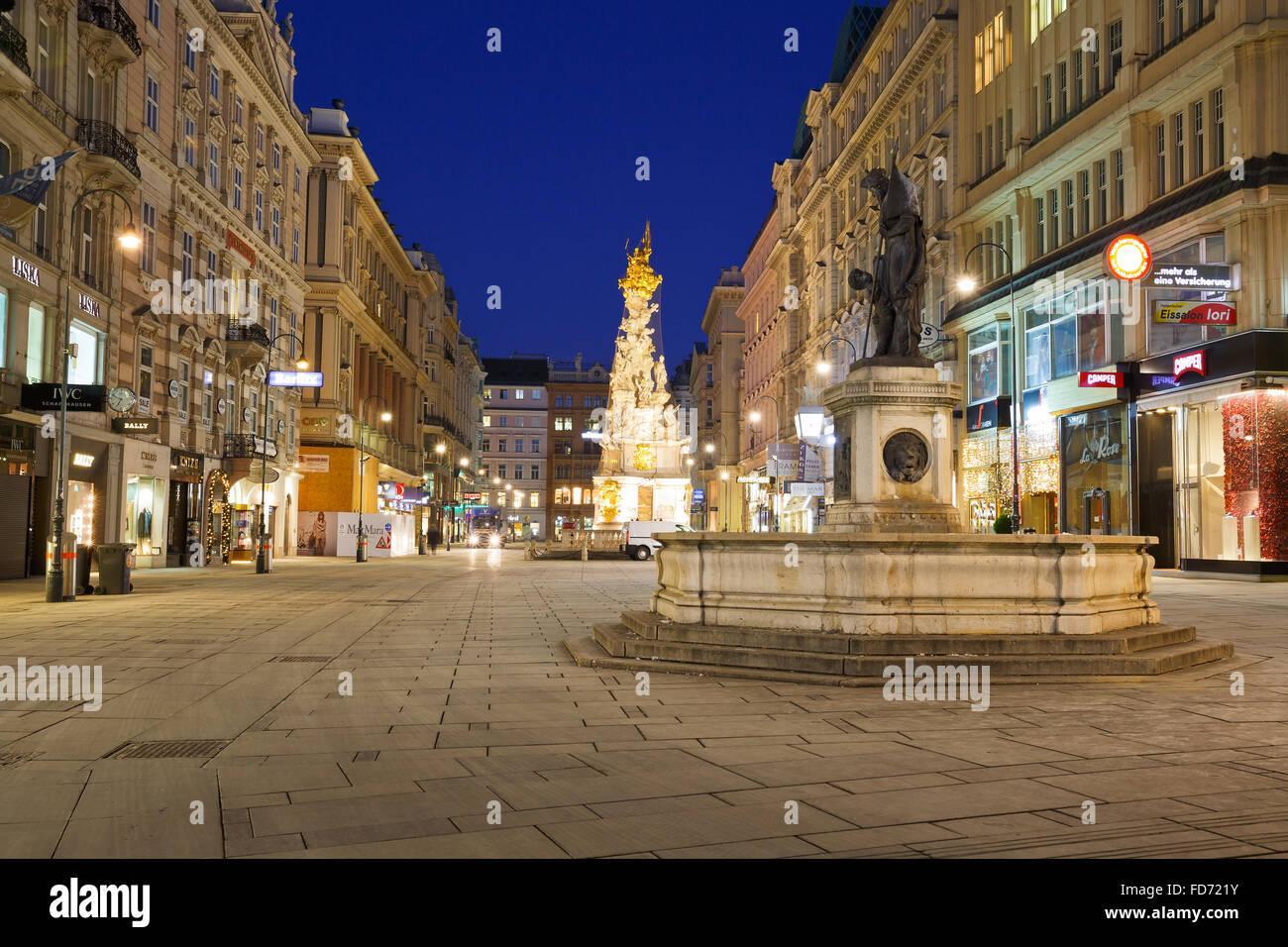 Graben photos graben images alamy for Piscine de vienne