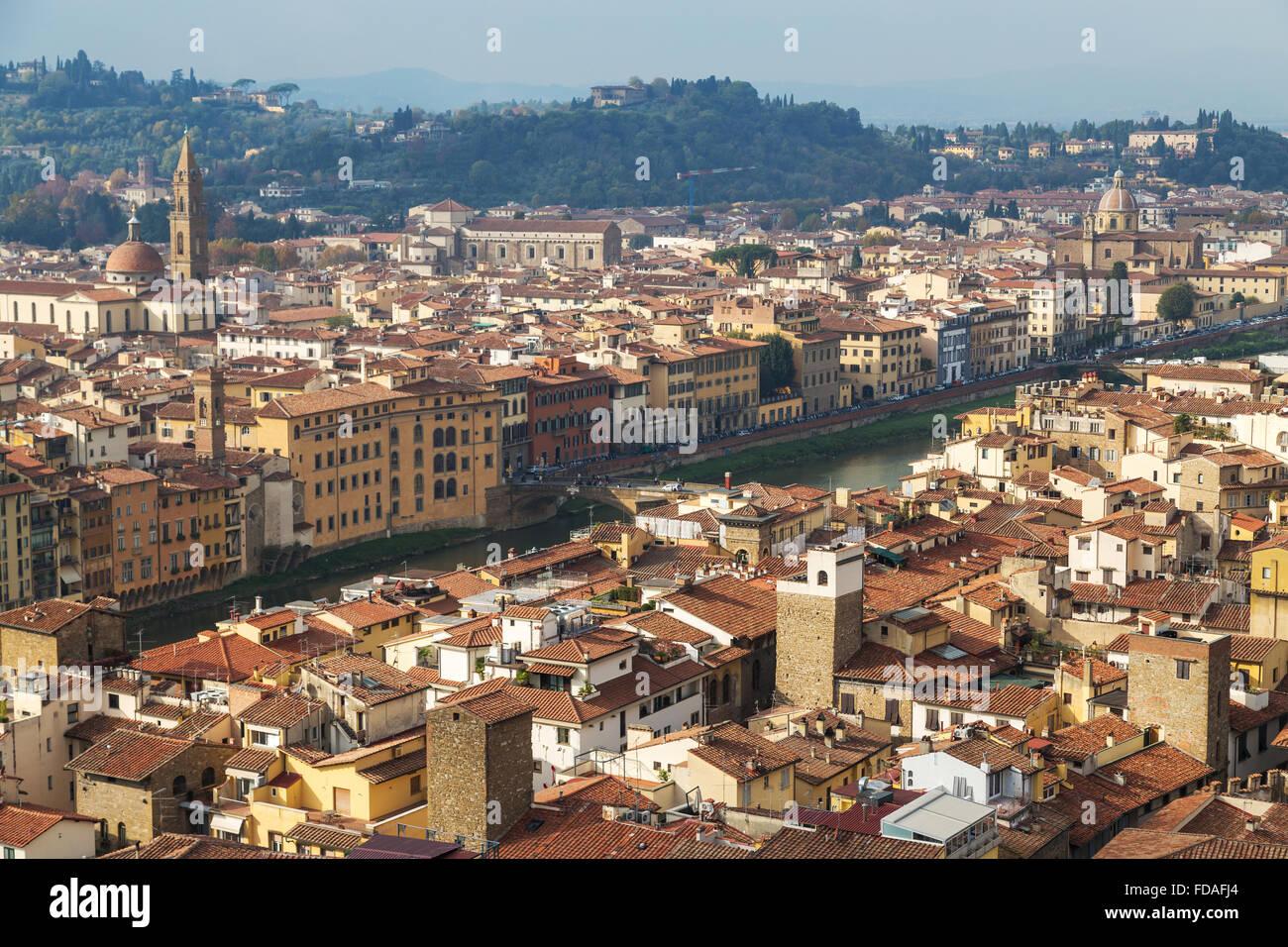Vue sur la ville, avec l'Arno, Florence, Toscane, Italie Photo Stock