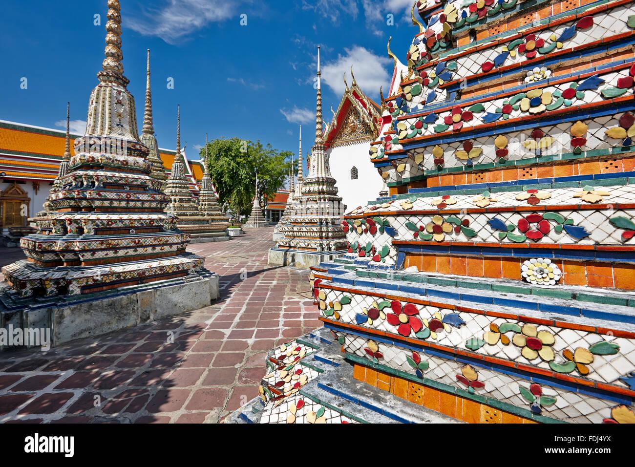 Les pagodes de la Temple de Wat Pho à Bangkok, Thaïlande. Photo Stock