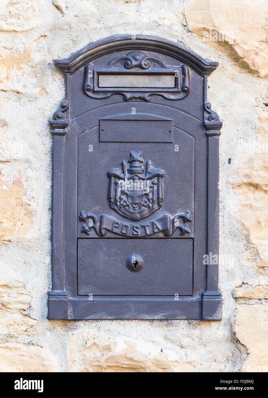 decorative postbox photos & decorative postbox images - alamy