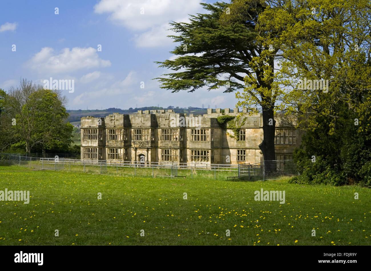 Gibside Hall, Newcastle upon Tyne. La maison a été construite entre 1603 et 1620, avec des modifications à la fois dans les 18e et 19e siècles. George Bowes a hérité de la succession en 1722 et les motifs paysagers le Gibside Hall. Banque D'Images