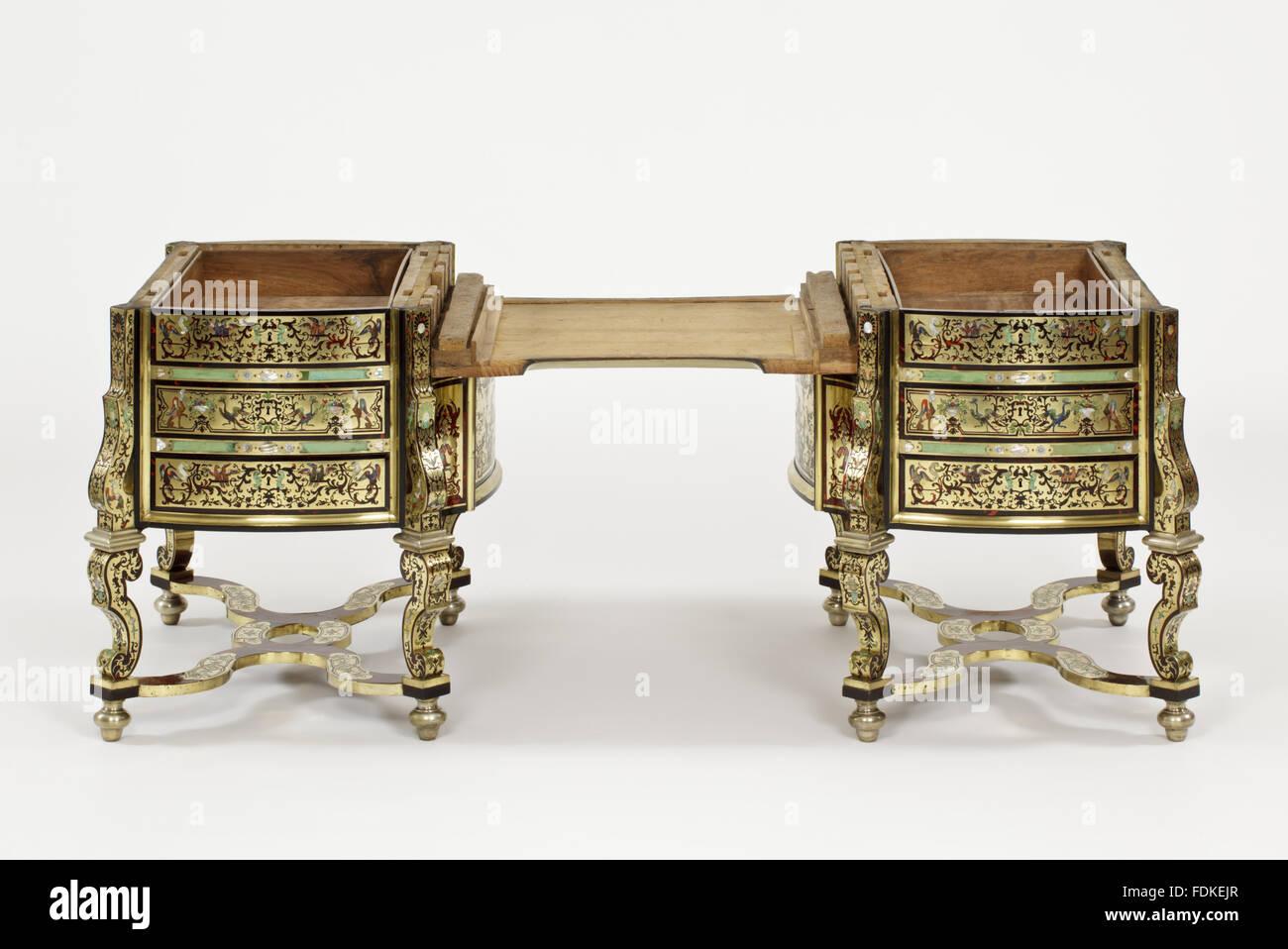 Le bureau ou table d écriture saltram de son sommet pour révéler