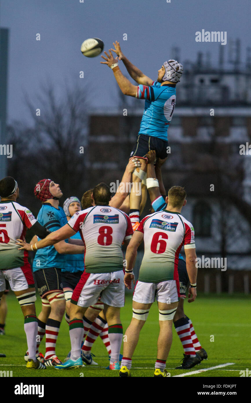 Action de la Ligue nationale 1 match entre Rosslyn Park FC et Plymouth Albion. Score final 24-26 Photo Stock