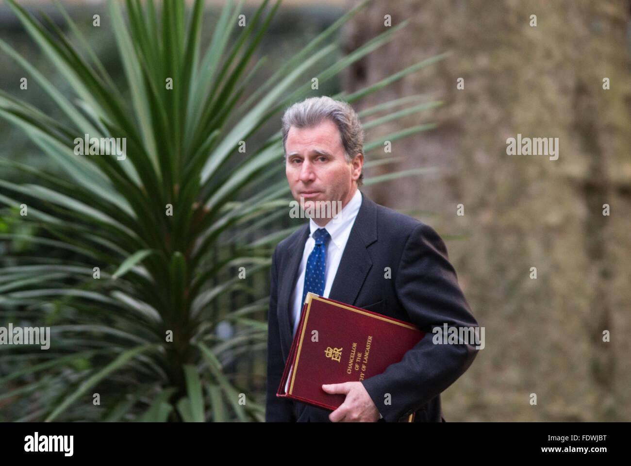 Oliver Letwin, Ministre d'État pour la politique du gouvernement, arrive au numéro 10 Downing Street Photo Stock