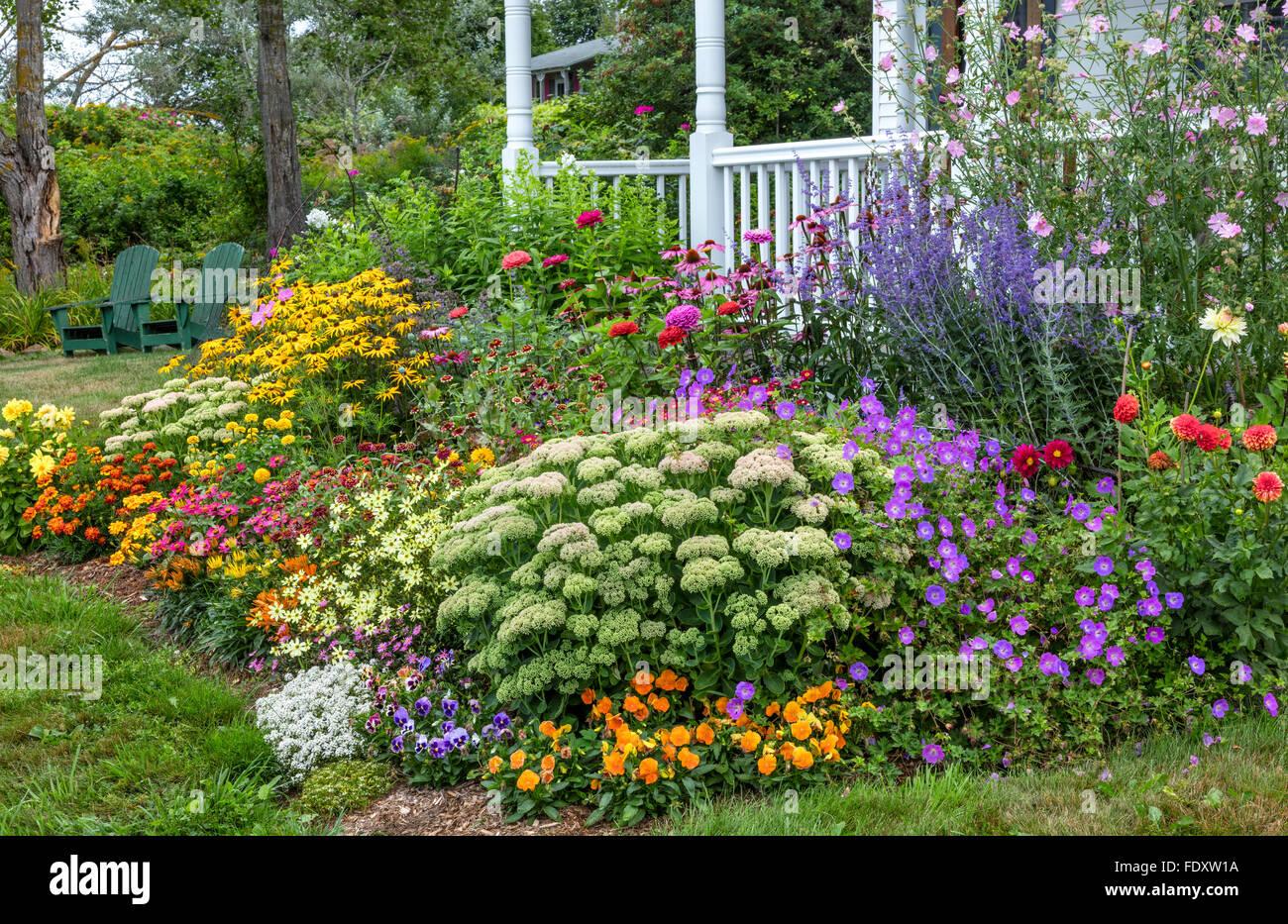 Bass Harbor, Maine : été Chalet jardin et terrasse couverte ...