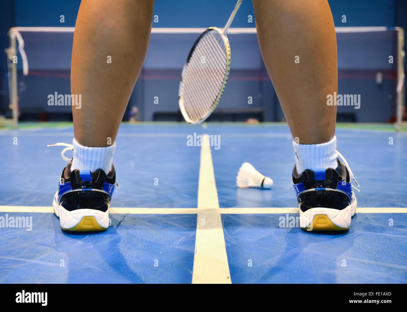 Avec un court de badminton badminton player Photo Stock