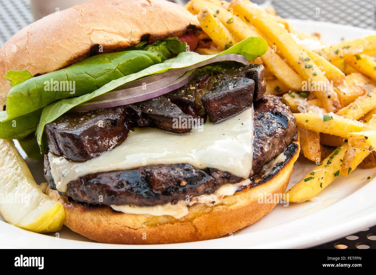 Cochon truffier burger au foie gras et truffe fries, Truffle Pig Restaurant, un endroit à vapeur, Steamboat Photo Stock