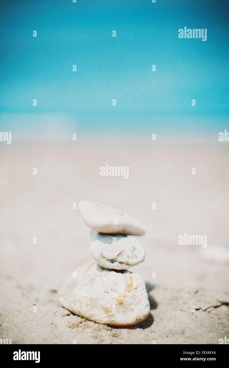 Pile de pierres sur Beach Photo Stock