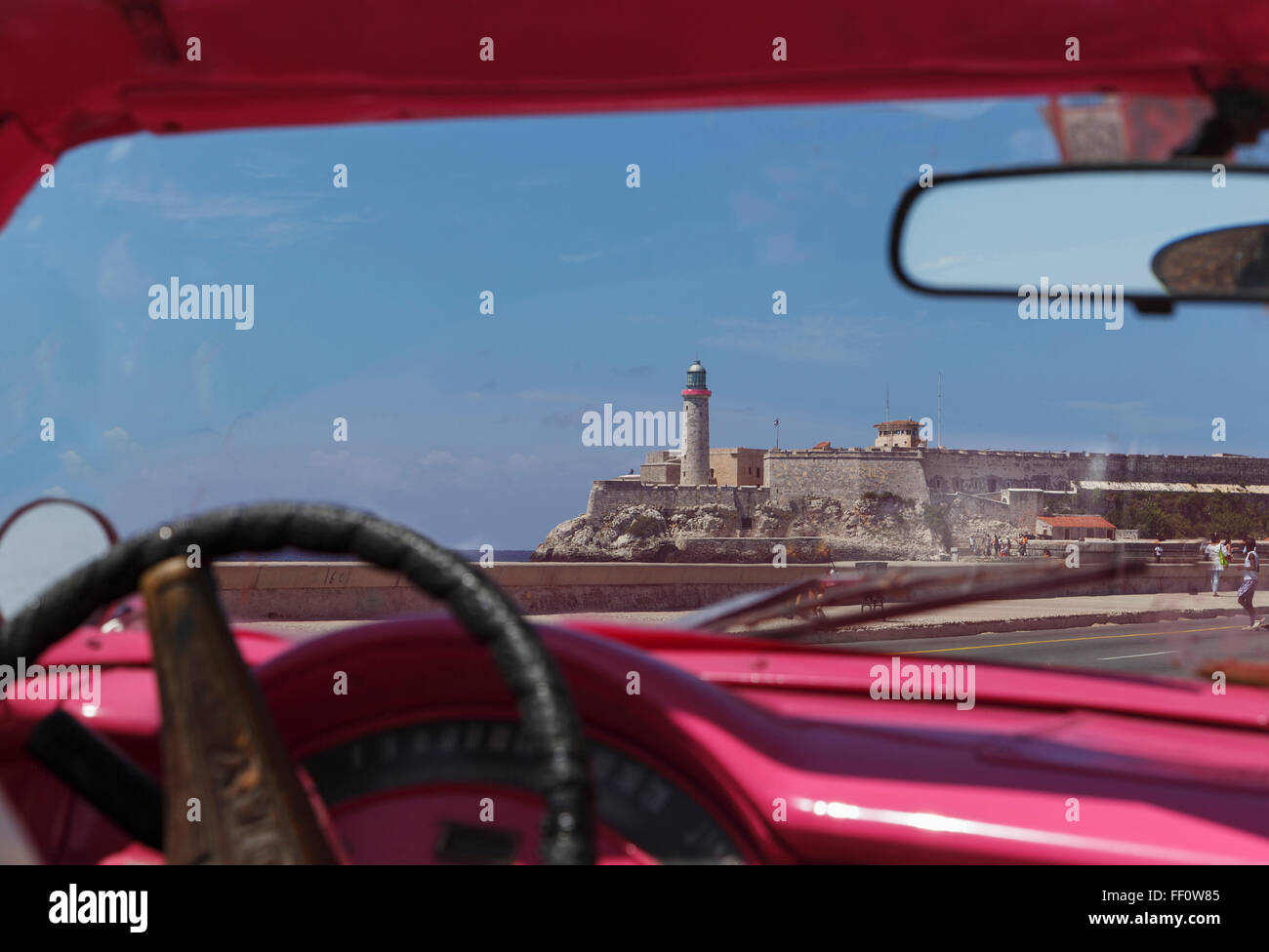 Les conducteurs de voitures à La Havane, La Havane, Cuba paysage urbain Banque D'Images