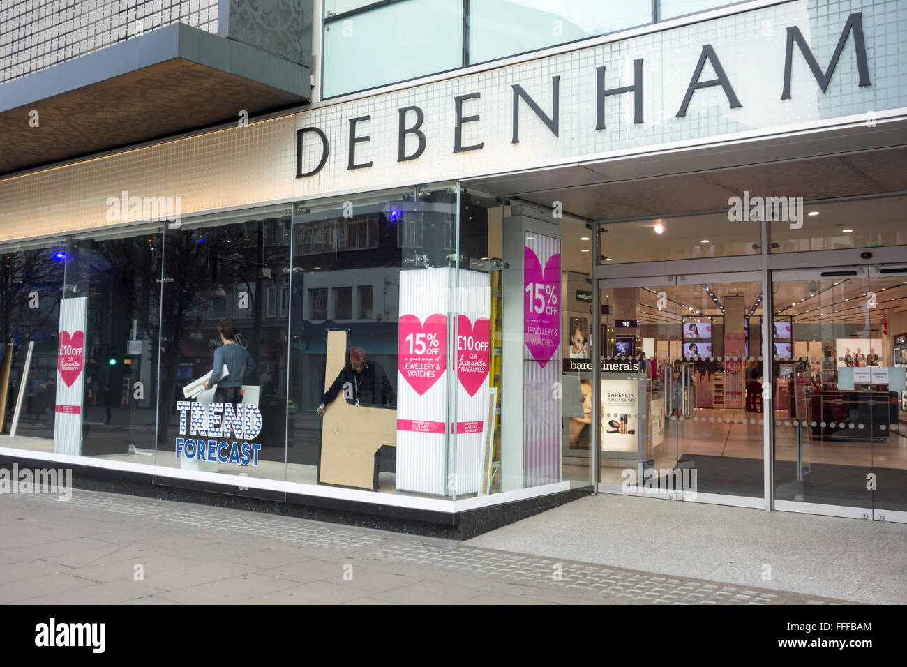Londres, Royaume-Uni. 11 Février 2016: Debenhams department store installer et lancer la Saint-Valentin Photo Stock