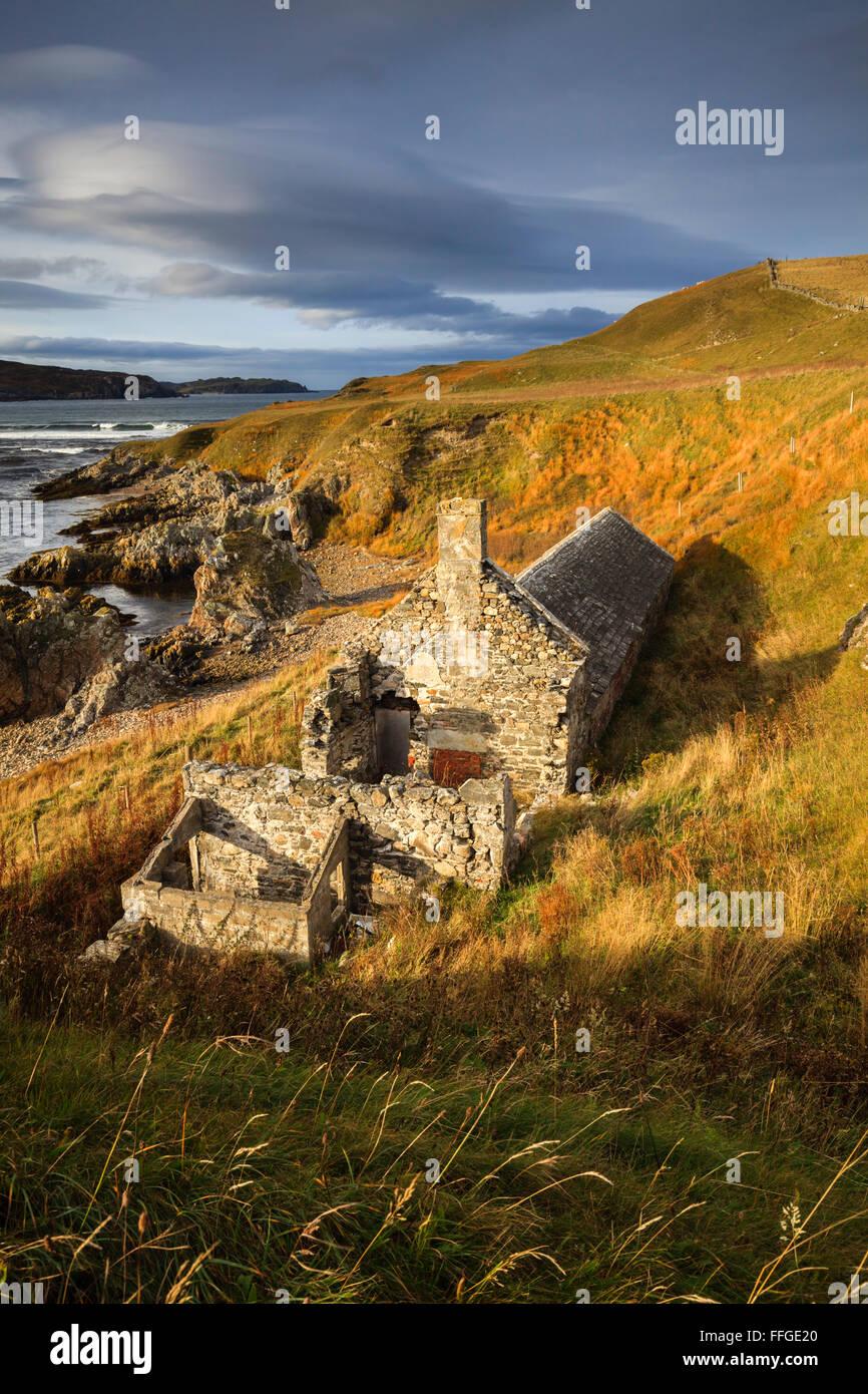 La vieille glace maison à Torrisdale Bay à l'extrême nord de l'Ecosse. Photo Stock