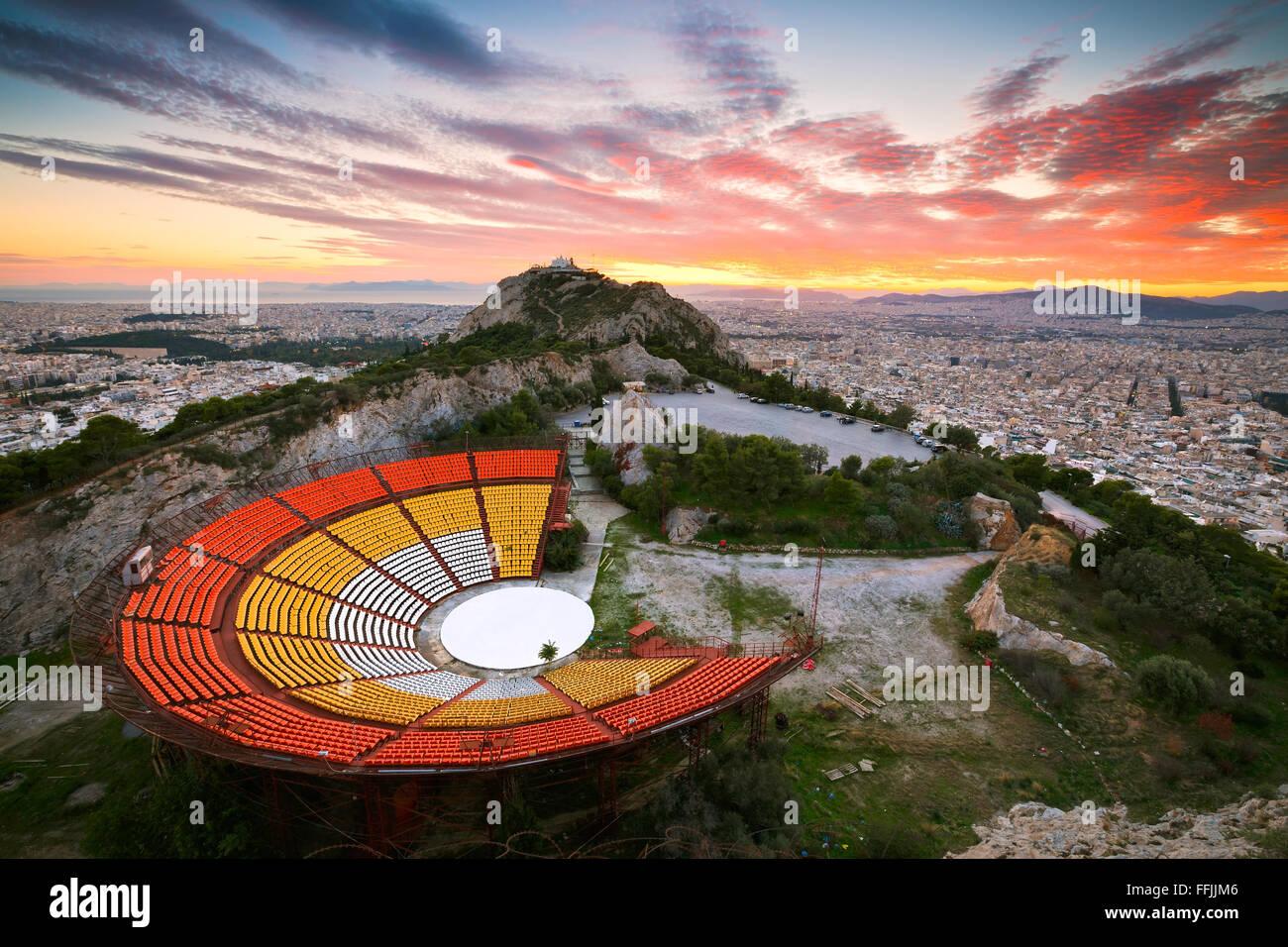 Athènes du Likabetus Hill au coucher du soleil. Photo Stock